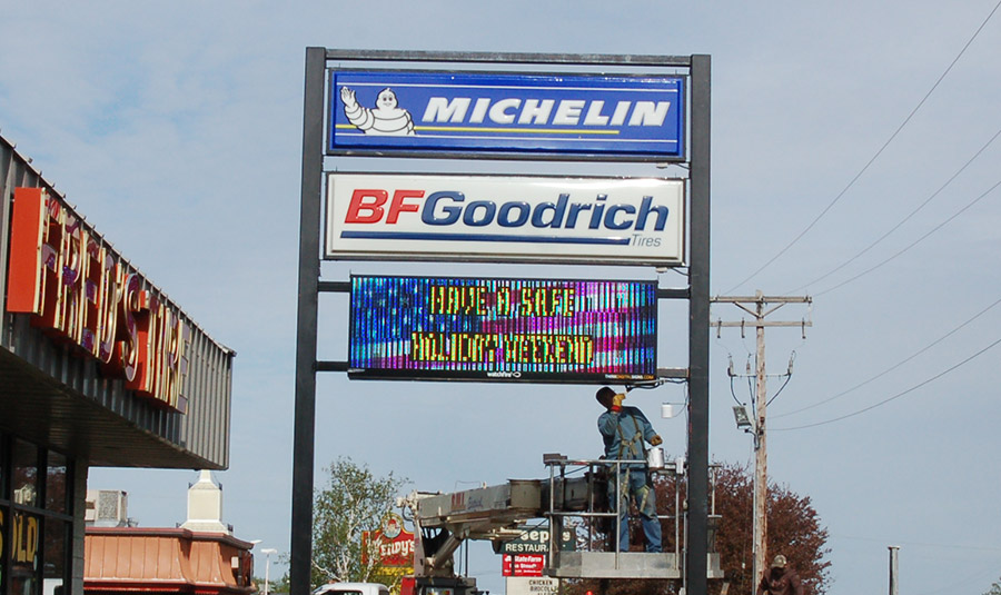 Digital Sign For Auto Shop